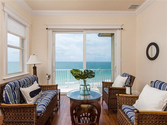 Luxury real estate sweeping views of the ocean