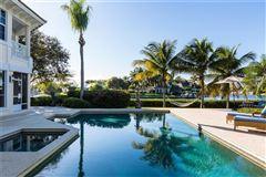 Luxury properties Idyllic waterfront home in vero beach