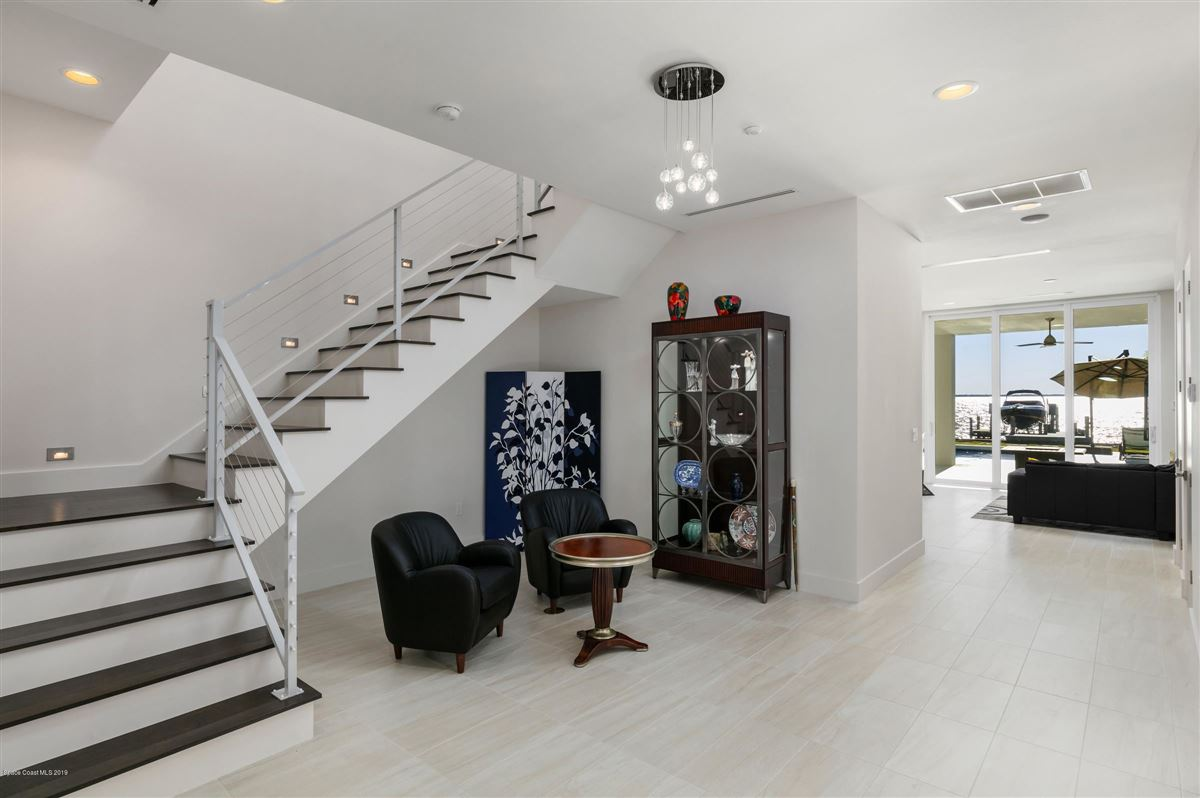 Luxury homes Modern Florida Masterpiece Designed by Renowned Architect Phil Kean