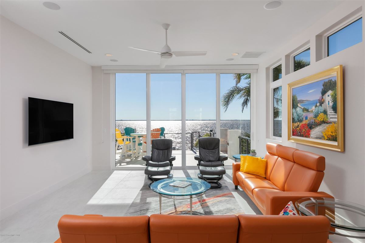 Modern Florida Masterpiece Designed by Renowned Architect Phil Kean mansions