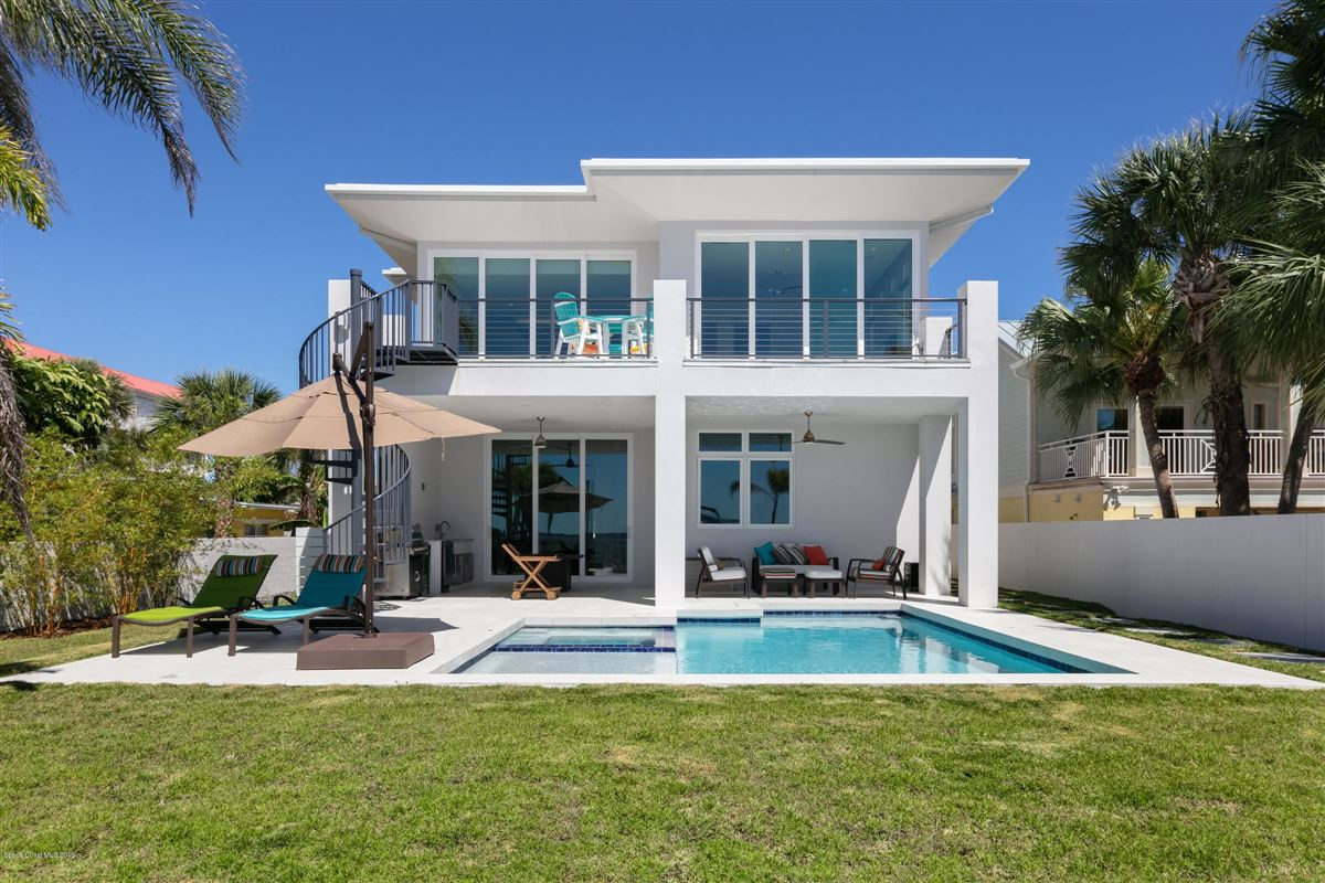 Luxury properties Modern Florida Masterpiece Designed by Renowned Architect Phil Kean