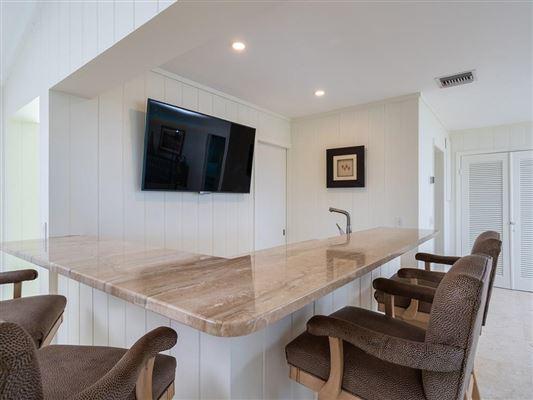 Casually elegant oceanfront residence luxury real estate
