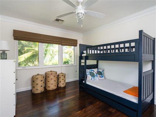 Casually elegant oceanfront residence luxury homes