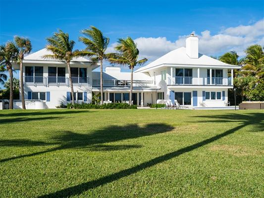 Casually elegant oceanfront residence mansions