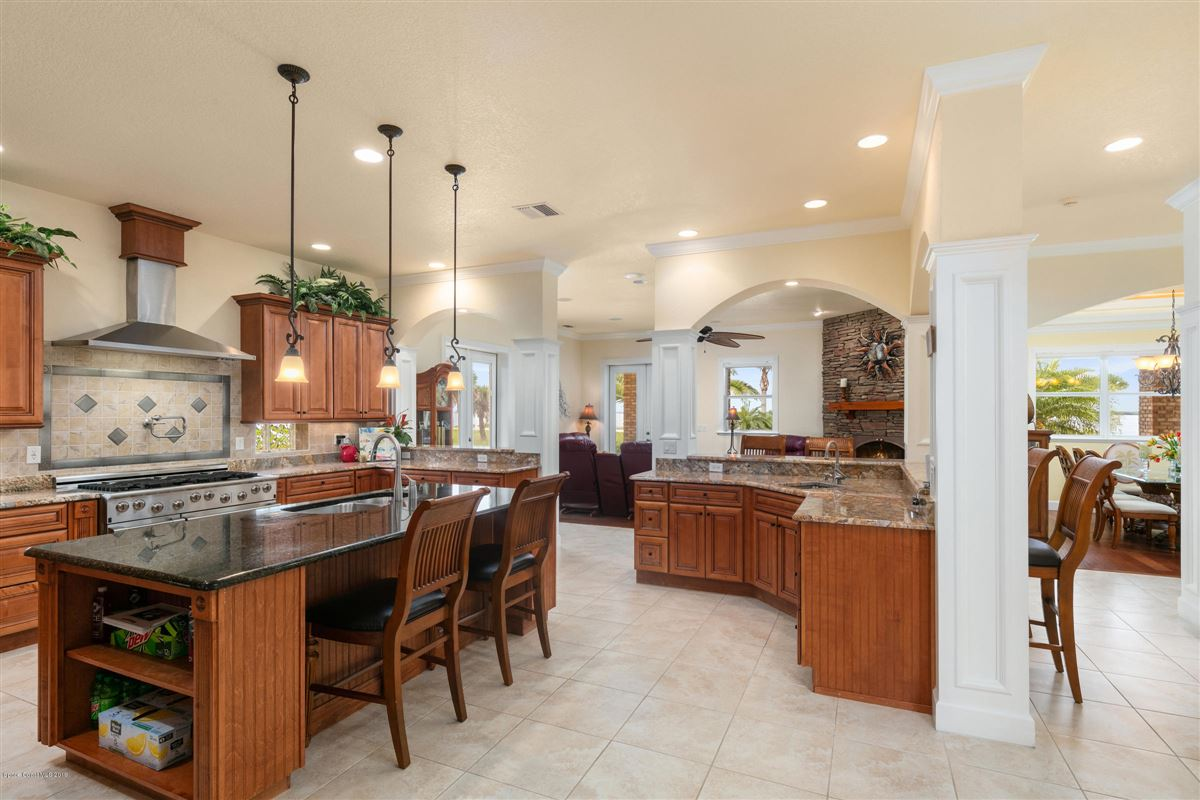 Luxury homes in Indian River Pool Home