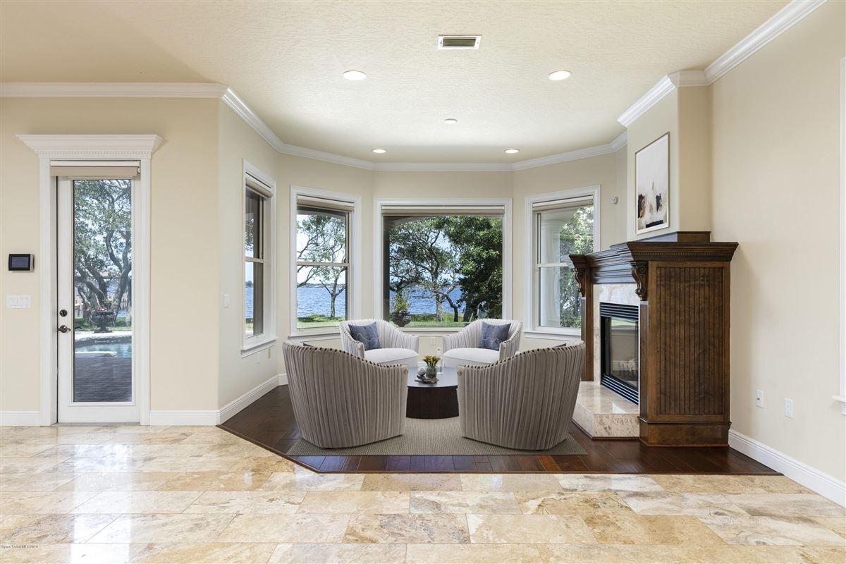 Refined Indian River Estate luxury properties