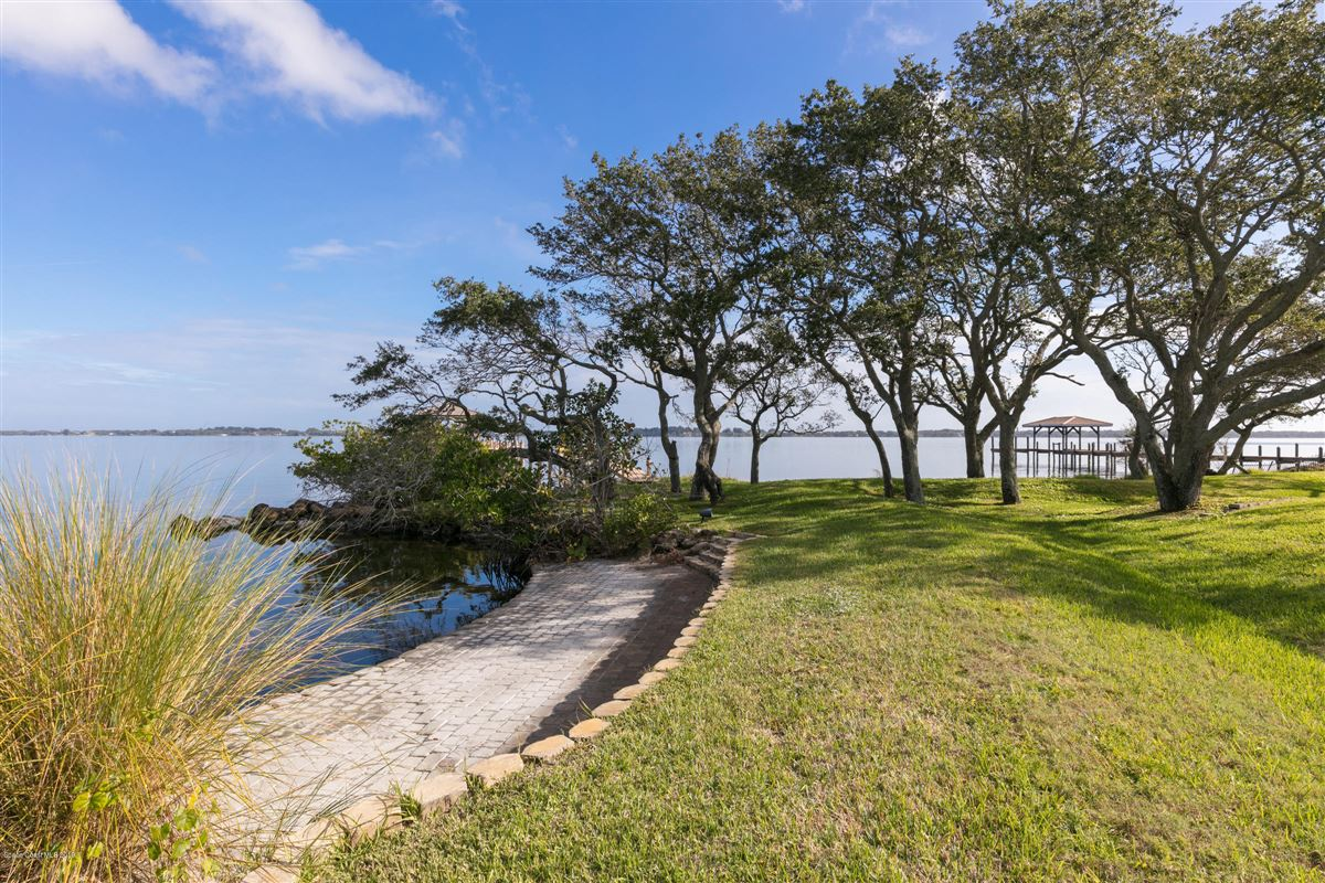 Refined Indian River Estate luxury homes