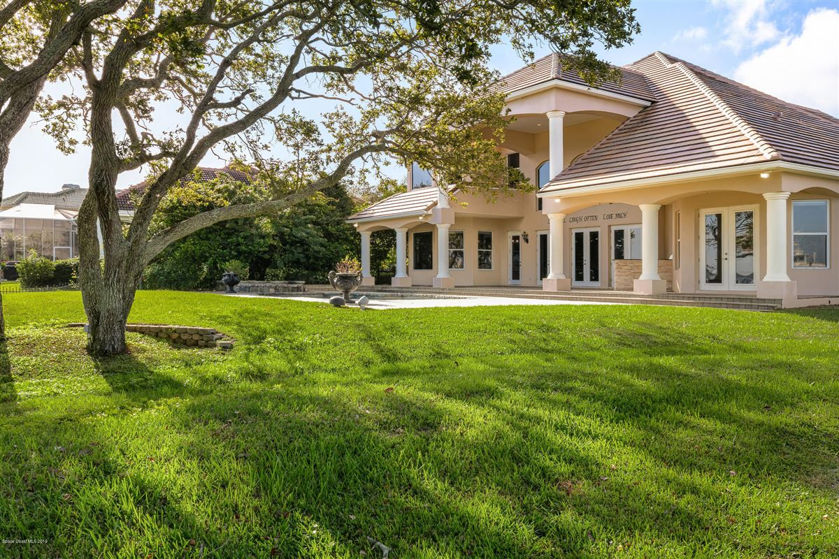 Luxury real estate Refined Indian River Estate