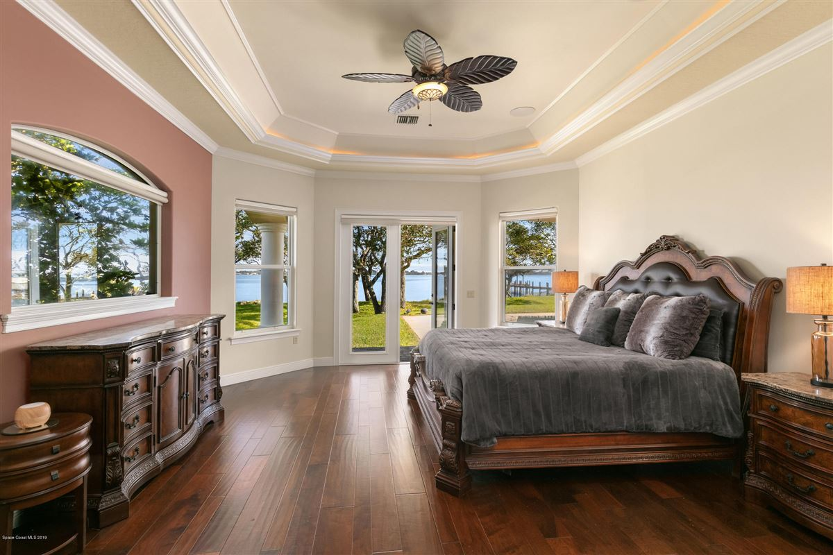Refined Indian River Estate luxury real estate