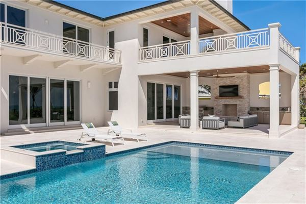 Luxury homes Exquisitely built oceanfront vero beach home