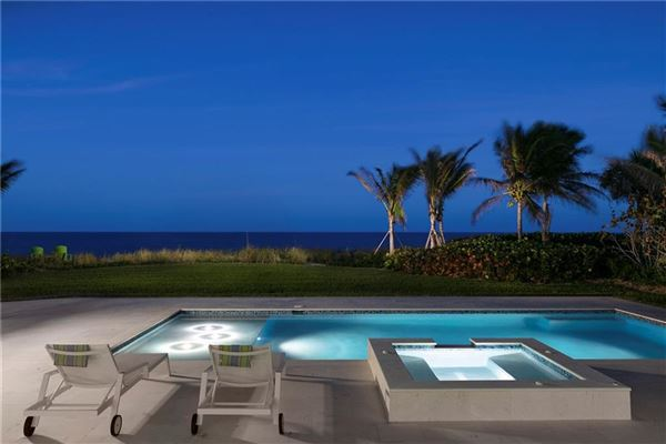 Exquisitely built oceanfront home luxury homes