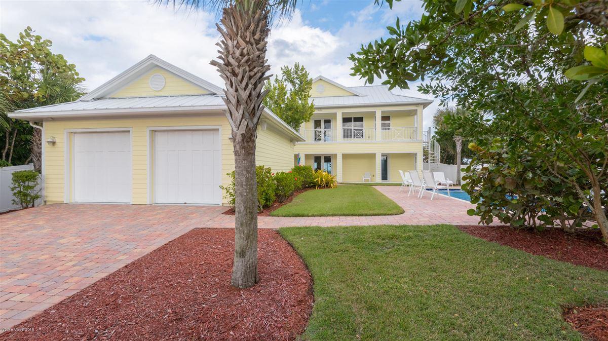 Luxury real estate Breathtaking Oceanfront beach style