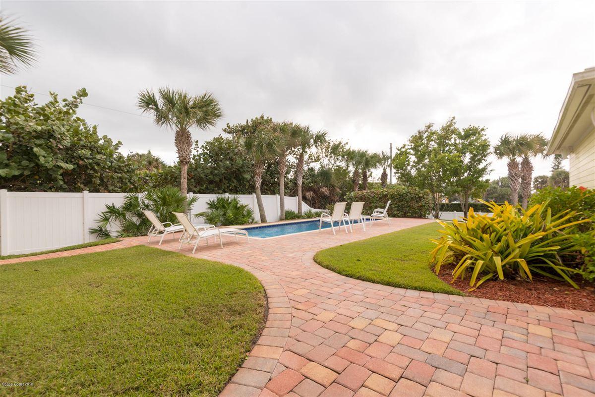 Breathtaking Oceanfront beach style luxury real estate