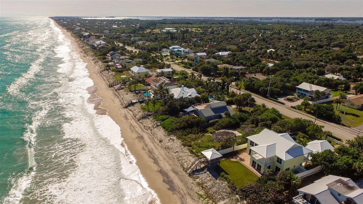 Luxury properties Breathtaking Oceanfront beach style