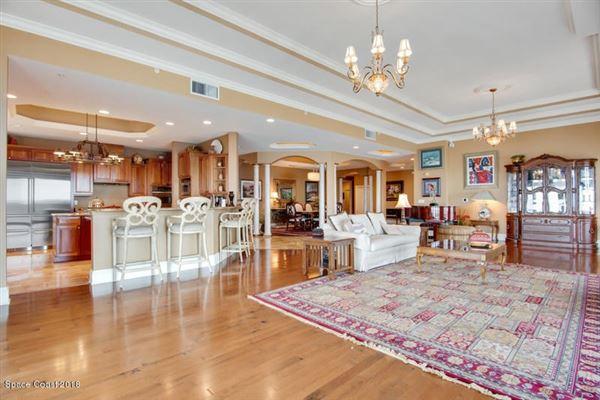 an Exquisite Penthouse Unit  luxury homes