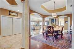 Luxury homes an Exquisite Penthouse Unit