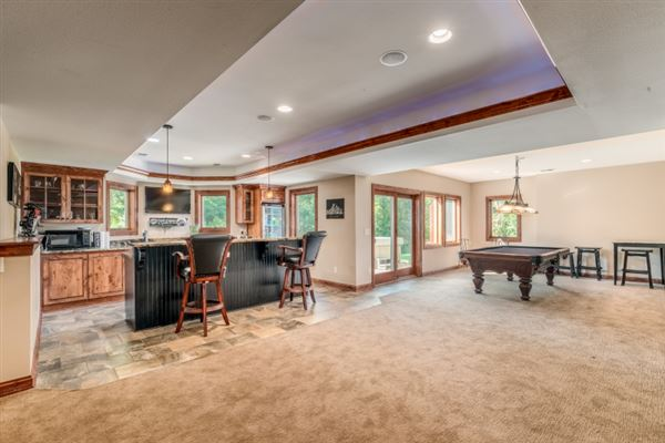 Luxury homes spectacular 15acre estate in Brookfield