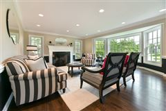 gorgeous home in southeast Mequon mansions