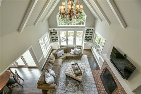 gorgeous home in southeast Mequon luxury properties