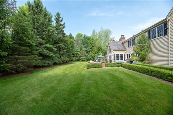 Mansions in gorgeous home in southeast Mequon