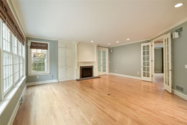 Mansions Delightfully refreshed home in elm grove