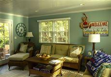 Luxury properties rare find in Lake Geneva Manor
