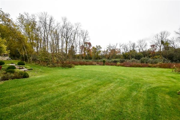 Luxury properties beautiful and spacious home in heart of brookfield