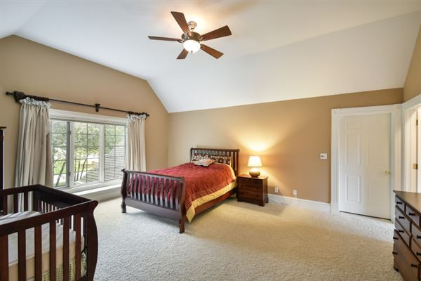 Luxury real estate beautiful and spacious home in heart of brookfield