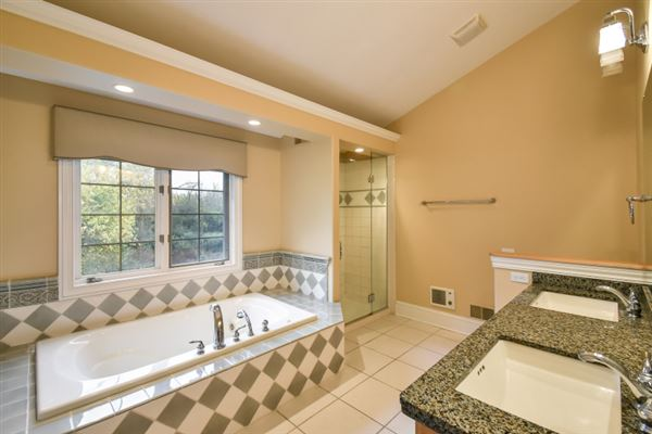 beautiful and spacious home in heart of brookfield luxury real estate
