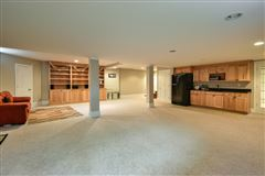 Luxury homes beautiful and spacious home in heart of brookfield
