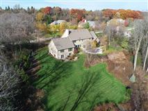 beautiful and spacious home in heart of brookfield luxury homes