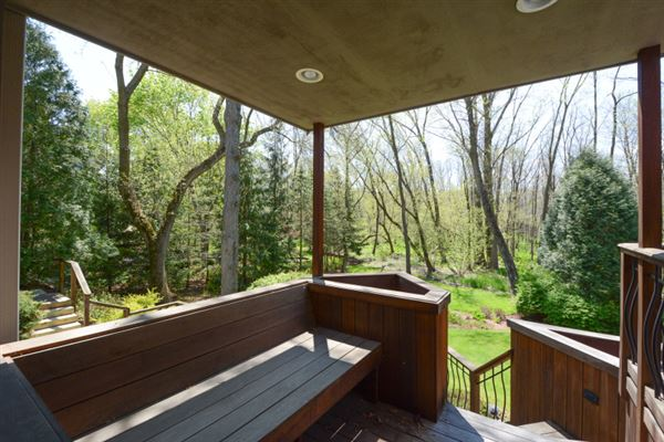 Luxury real estate a Brookfield beauty