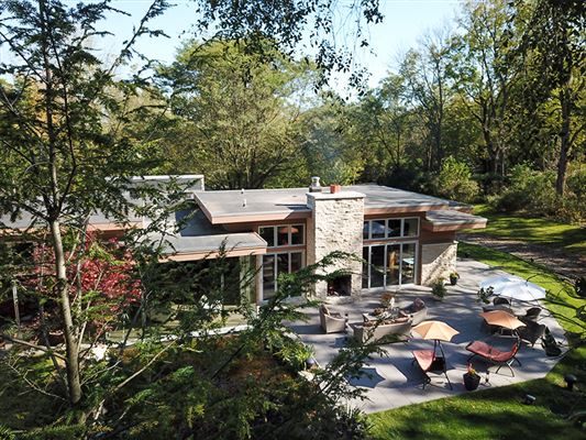 luxury home in Indian Hills mansions