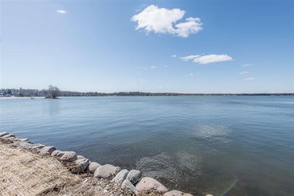 Enjoy lake living at its best mansions