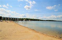 Mansions Enjoy lake living at its best
