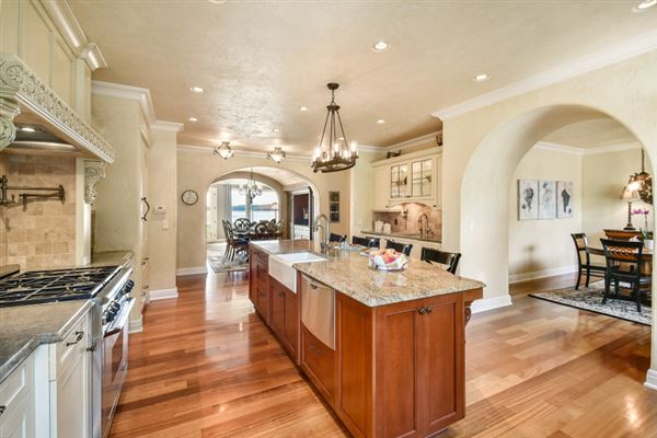 Luxury properties Turn your dream into reality