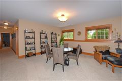 Impressive equestrian estate on over 35 rolling acres in the Town of Waterford mansions