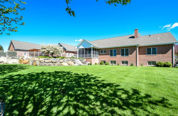 Mansions Impressive equestrian estate on over 35 rolling acres in the Town of Waterford