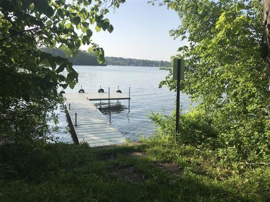 Luxury real estate rare four-plus acres on Big Cedar Lake