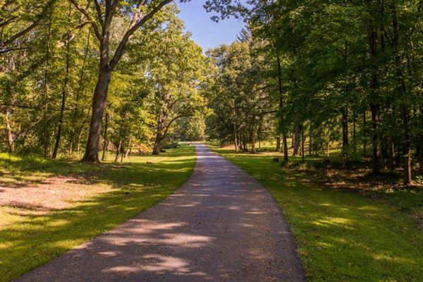 Luxury homes Century Oaks Farm
