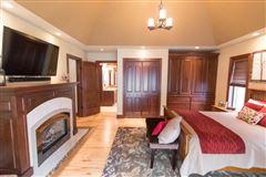 Luxury properties Century Oaks Farm