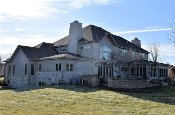 Luxury properties stately manor on five private acres