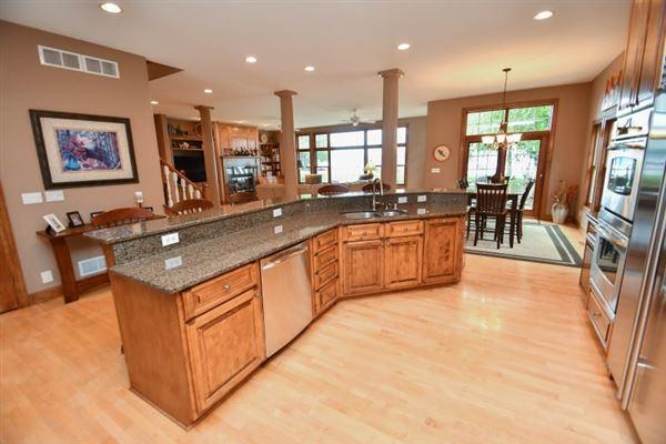 a High quality custom home luxury properties