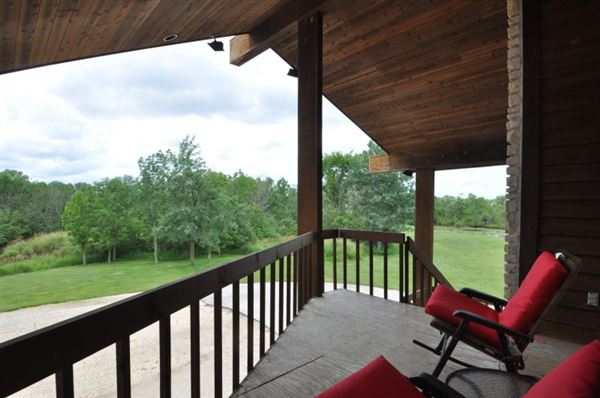 Luxury real estate 18 acres of total privacy