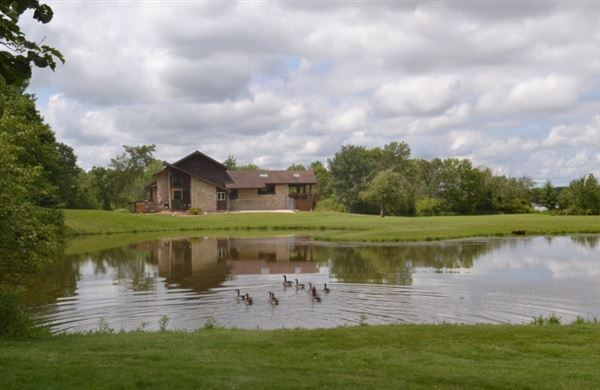 Luxury homes 18 acres of total privacy