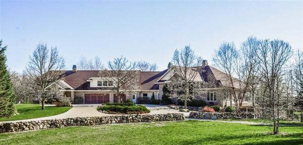 PRAIRIE HILL ESTATE  luxury homes