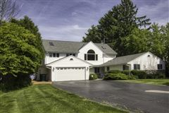 Wonderful Mequon gem with breathtaking lake views mansions