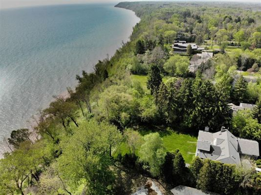 Wonderful Mequon gem with breathtaking lake views luxury properties