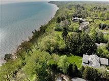 Wonderful Mequon gem with breathtaking lake views luxury homes