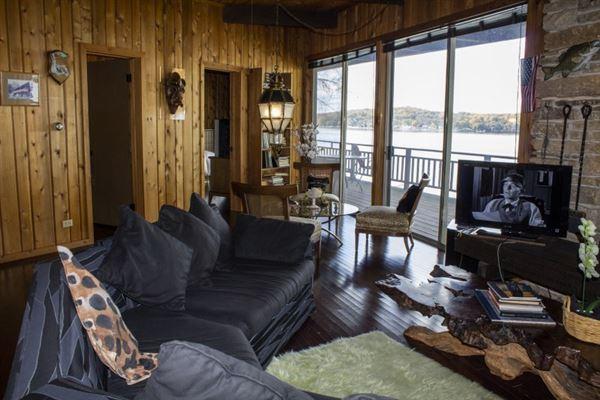 Luxury properties fabulous lakefront home